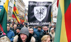 W ubiegłorocznym przemarszu nacjonalistycznym z okazji święta 11 marca wzięło udział około 900 uczestników<br/>Fot. Marian Paluszkiewicz