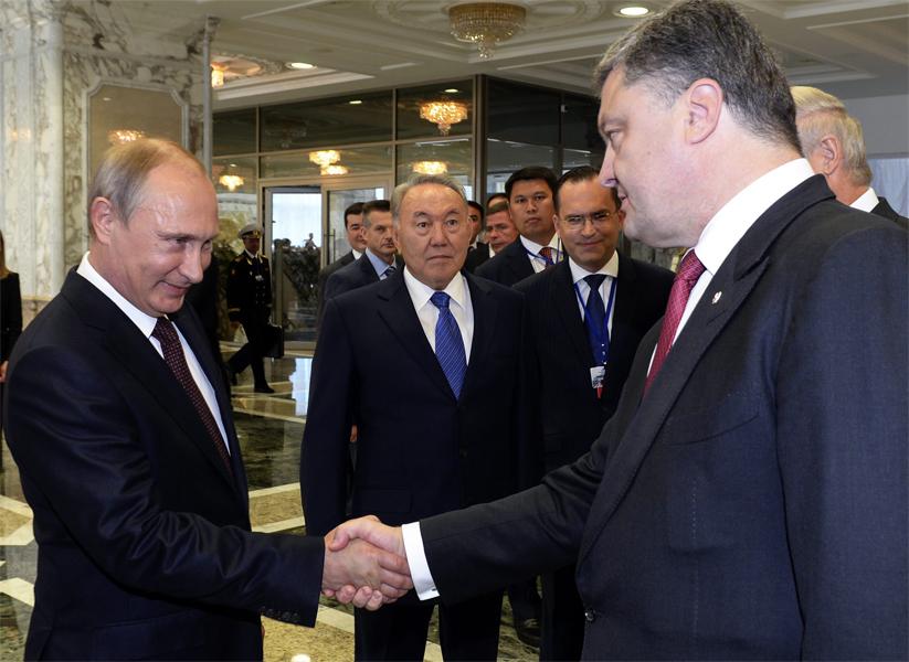 W Mińsku doszło do spotkania prezydenta Ukrainy Petro Poroszenki z prezydentem Rosji Władimirem Putinem  Fot. EPA-ELTA