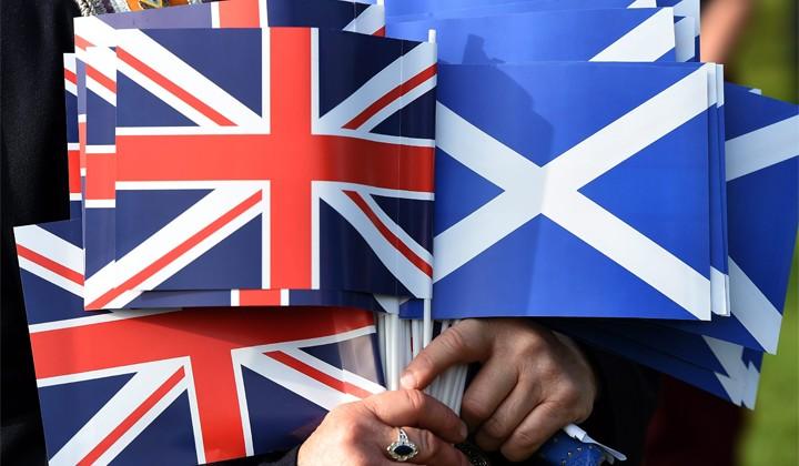 Jeżeli ponad połowa uczestników dzisiejszego referendum przegłosuje za secesję, Szkocja zostanie niepodległym państwem wiosną 2016 roku  Fot. EPA-ELTA