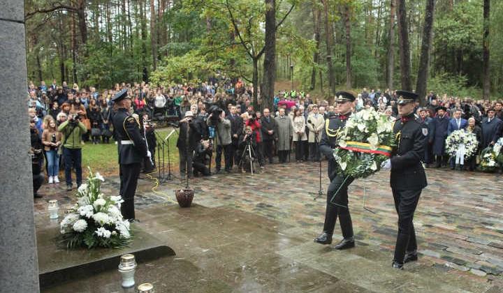 Obchody te upamiętniają likwidację w 1943 r. Getta Wileńskiego, a w tym roku zbiegły się też z 70. rocznicą likwidacji getta w Kownie i SzawlachFot. ELTA