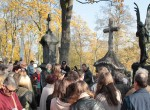 Czarny Anioł ożył i przez kolejne lata znów będzie prawdziwą ozdobą tej starej wileńskiej nekropoli... Fot. Marian Paluszkiewicz