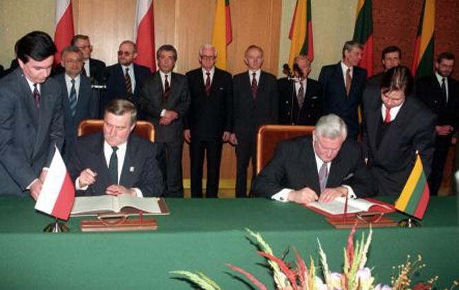 Po podpisaniu w 1994 roku Traktatu między Litwą a Polską wydawało się, że przynajmniej w stosunkach oficjalnych między naszymi państwami zapanowało zrozumienie wzajemne i zgoda