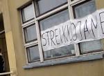"""Nauczyciele domagają się przywrócenia """"koszyczka"""" ucznia sprzed 2009 roku Fot. Marian Paluszkiewicz"""