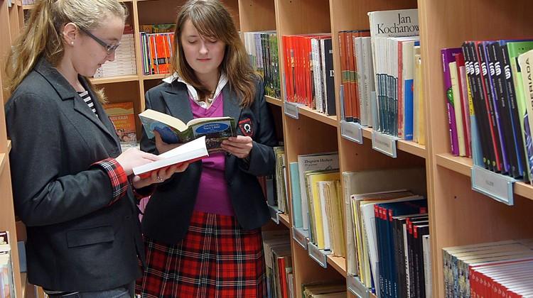 Część księgozbiorów bibliotek jest uzupełniana przez samych czytelników    Fot. Marian Paluszkiewicz