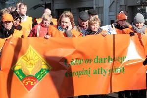 Związki zawodowe zapowiadają protesty w przypadku, jeśli władze nie uwzględnią ich propozycji do nowych reglamentacji prawnych  Fot. Marian Paluszkiewicz