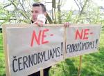 Co roku, w rocznicę katastrofy w Czarnobylu, zbierają się ludzie, na całym świecie, w tym na Litwie, aby uczcić pamięć osób, które zginęły Fot. Marian Paluszkiewicz