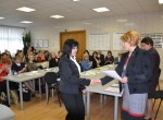 Chwila uhonorowania najlepszych chórów szkół rejonu wileńskiego