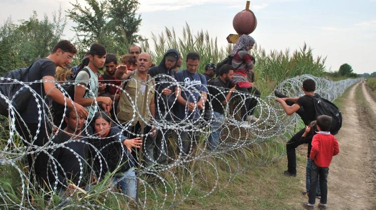 Dla wielu nielegalnych imigrantów wschodnia granica europejska to furtka do lepszego życia w UE Fot. EPA-ELTA