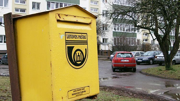 Szybkie tempo życia i sieci społecznościowe odzwyczajają ludzi wysyłać do bliskich listy i pocztówki Fot. Marian Paluszkiewicz