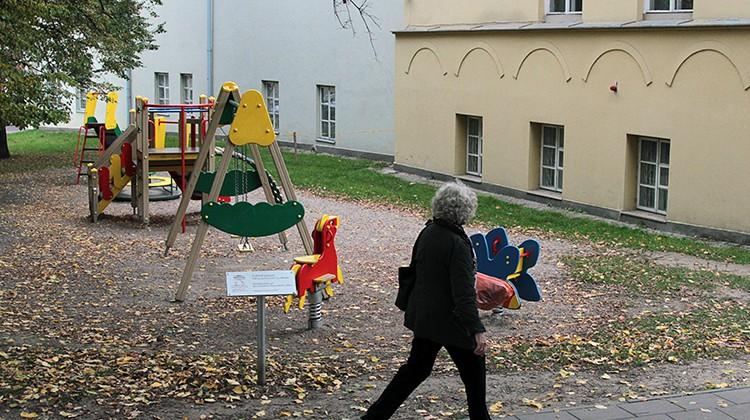Mer Šimašius twierdzi, że plac zabaw przy Ambasadzie RP powinien być zachowany nawet podczas trwania prac budowlanych Fot. Marian Paluszkiewicz