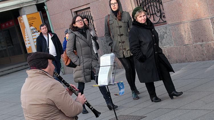 Nie zapomniano też o emerytach, przewodniczący partii obiecuje zwiększyć emerytury Fot. Marian Paluszkiewicz
