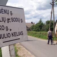 Polskie tabliczki tylko na prywatnych posesjach lub jako informacja turystyczna