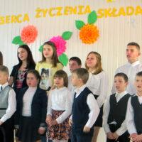 Babcie i dziadkowie z PUTW   w Szkole Specjalnej w Solecznikach