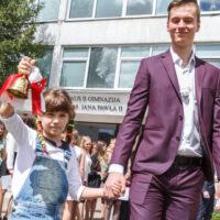 Ostatni dzwonek dla maturzystów  Gimnazjum im. Jana Pawła II