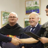 Uroczyste przekazanie prac w Wielofunkcyjnym Ośrodku Kultury w Rudominie