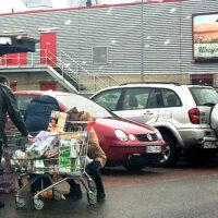 Litwini oblegają sklepy w Polsce – w ciągu trzech miesięcy zostawili ponad 100 milionów euro