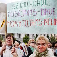 Etatowe wynagrodzenie nauczycieli: za i przeciw