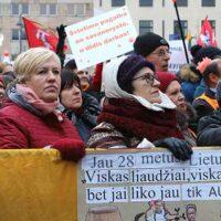 Strajk nauczycieli Litwy: nie tylko o pieniądzach
