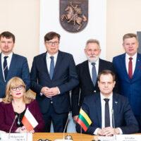 Spotkanie parlamentarzystów Polski i Litwy po 10 latach: będą konkrety czy kurtuazja?