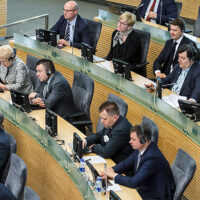 W maju referendum w sprawie zmniejszenia liczby posłów