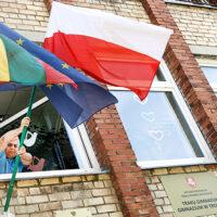 Atak na polską flagę na budynku polskiego gimnazjum w Trokach