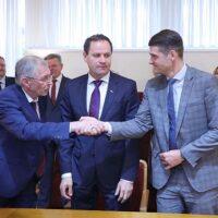 Podpisano nową umowę koalicyjną – dziś ostateczna decyzja premiera